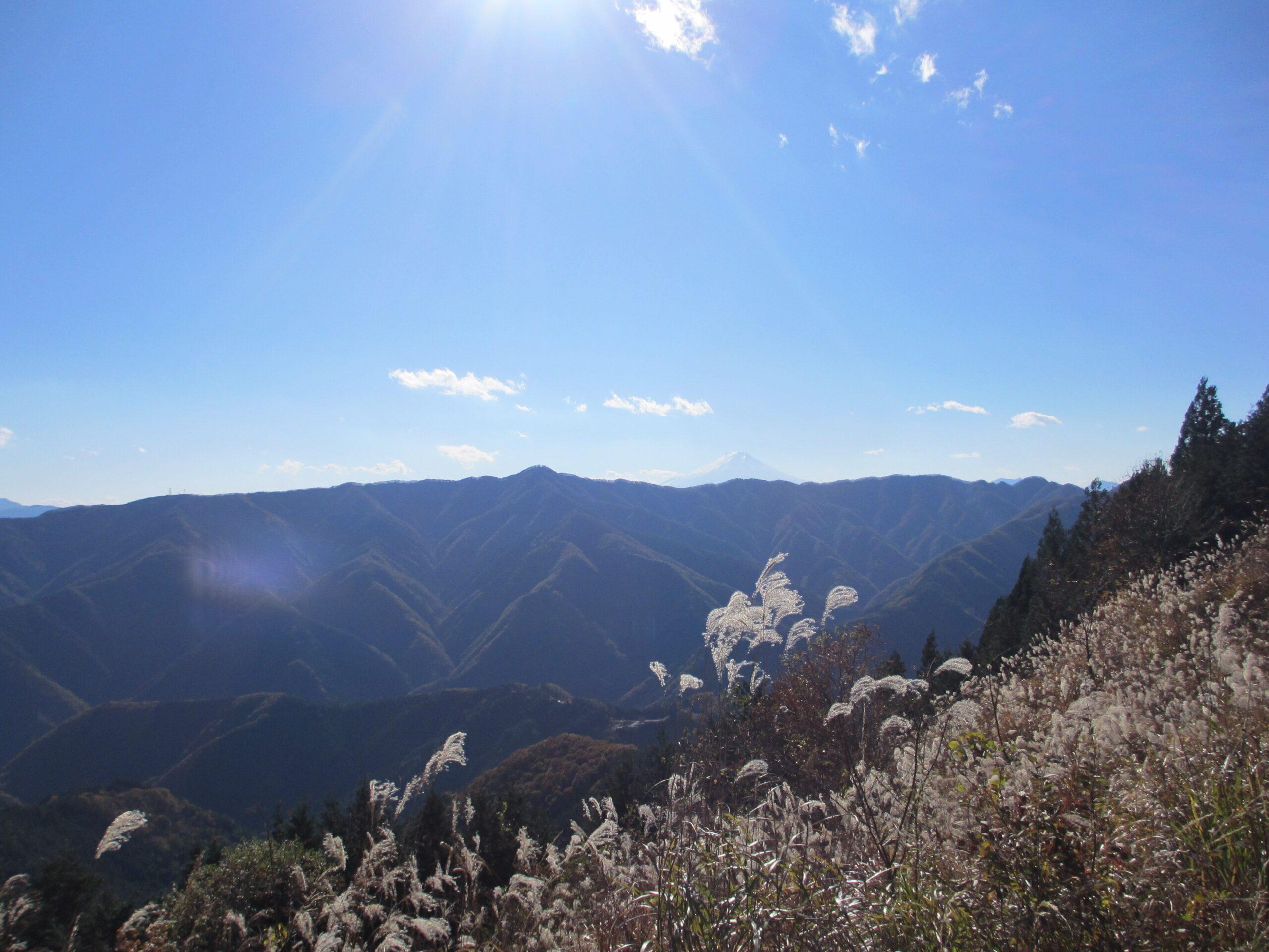 笹尾根から望む富士山